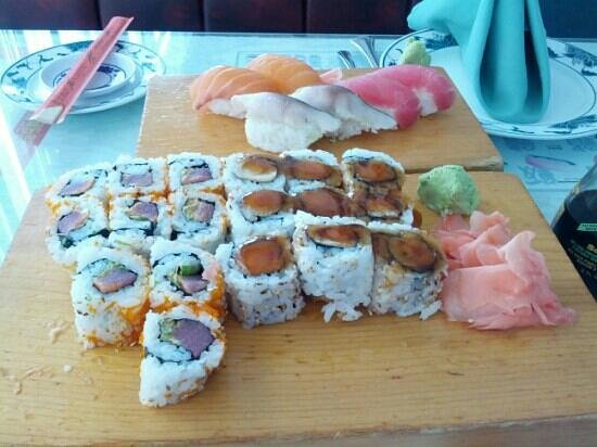 House of Peking Choice: Best spicy Tuna roll anywhere.. Plus more... So yummy