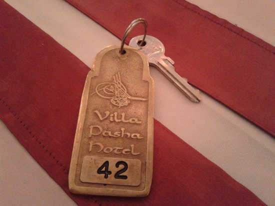 Villa Pasha Hotel: Don't-take-me-with-you key