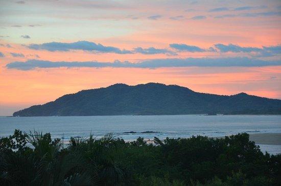 BEST WESTERN Tamarindo Vista Villas: vista desde la terraza/comedor