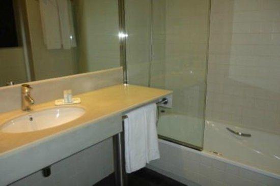 Hotel Arc La Rambla: Bathroom