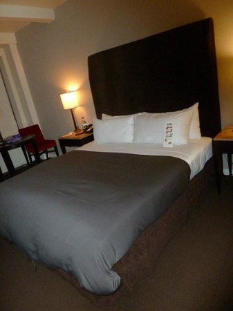 The Court – A St Giles Hotel: Bed ok