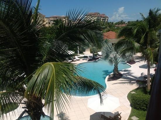 Villa del Mar: bigger pool