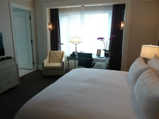 Trump International Hotel & Tower Toronto: Our suite
