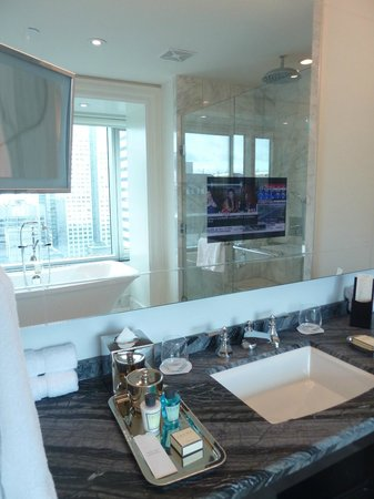 Trump International Hotel & Tower Toronto: Bathroom with TV inside