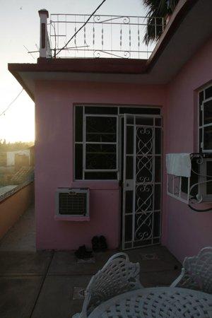 Casa Particular Ridel y Claribel: Wejście do naszego pokoju