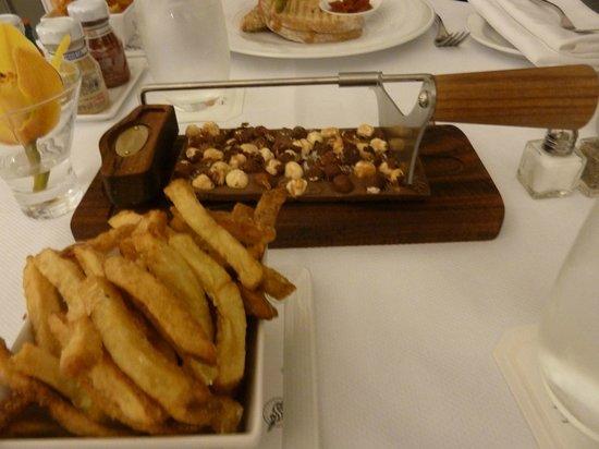 The Adelaide Hotel, Toronto : Room service!