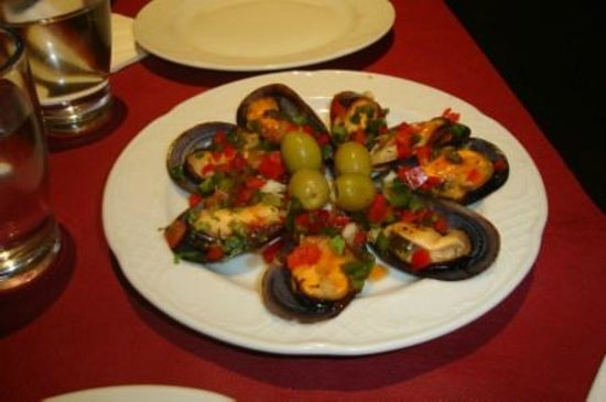 Via 70: mussels and olives