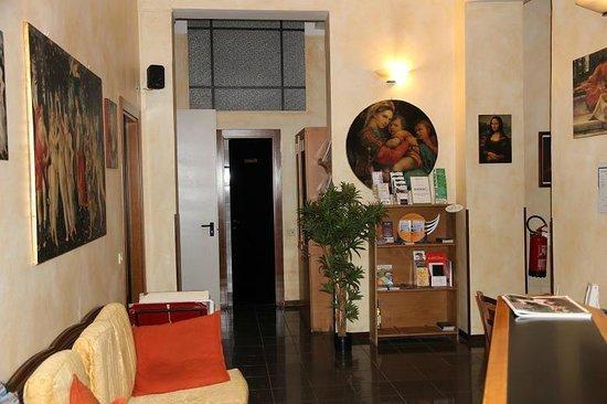 Lombardi Hotel : Tasteful reception area