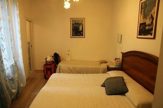 Hotel San Samuele: Triple room, good space and cozy