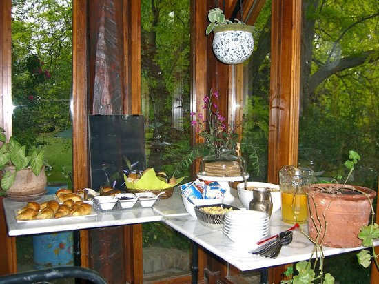 Casa Glebinias: the breakfast spread