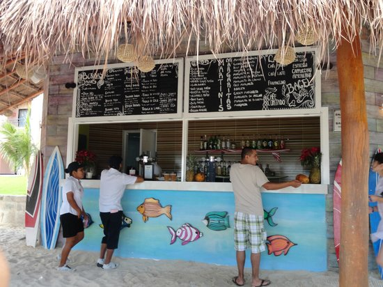 Sandos Playacar Beach Resort: Beach Bar / Bagel Beach