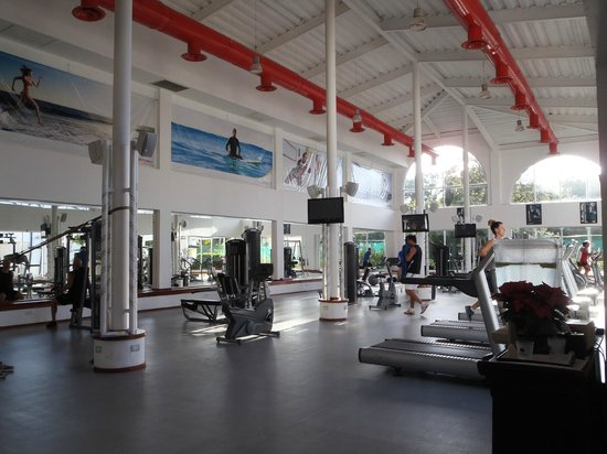 Sandos Playacar Beach Resort: Large Gym/Fitness Center