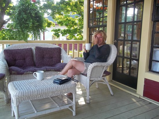 The Central House: Morning Coffee on th Front Porch