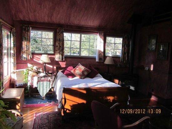 Sonoma Chalet : Inside Leslie's