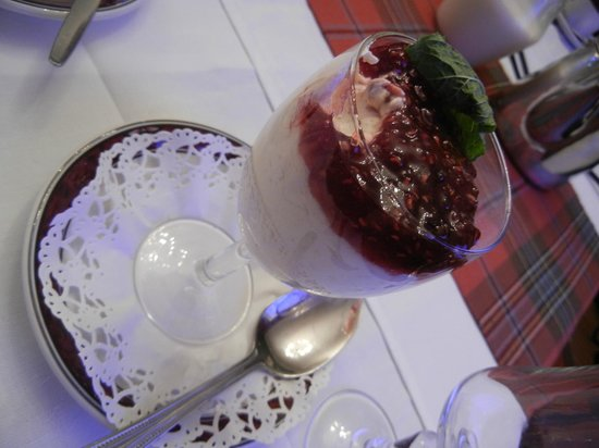 Lovat Arms Hotel: Dessert at our banquet