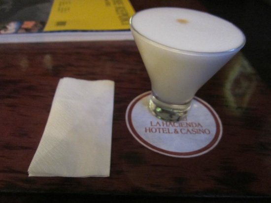 La Hacienda Miraflores: Free Pisco Sour At The Bar.