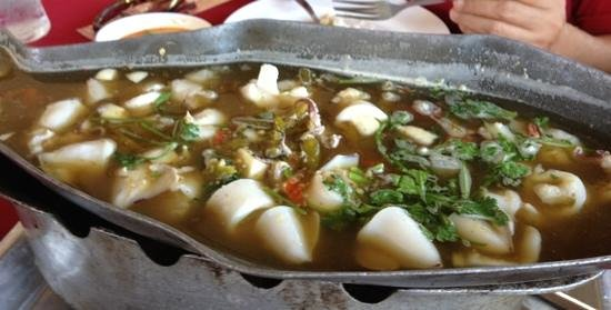 Chiang Mai Floating Restaurant: squid in spicy tomyam