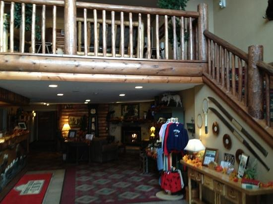 Stoney Creek Inn - Quincy: nice lodge feeling