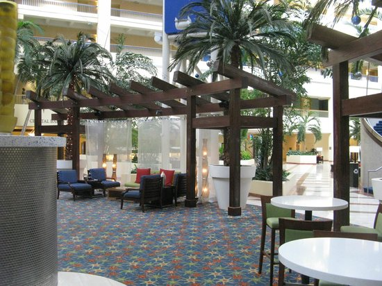 Renaissance Orlando Resort at SeaWorld: Lobby