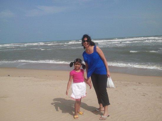 Paradise Beach Family At
