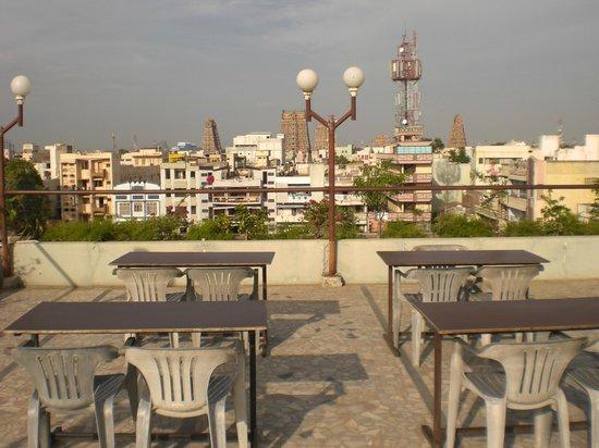 Hotel Padmam: roof top restaurant