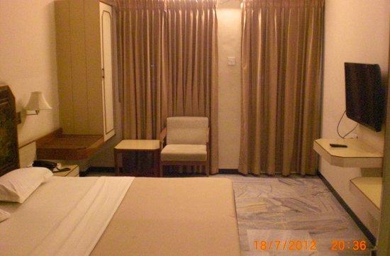 Hotel Padmam: deluxe double bed