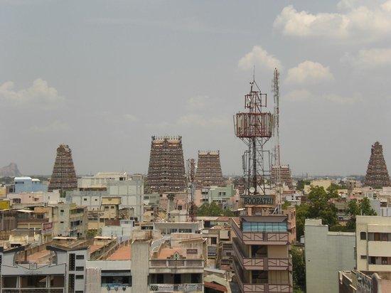 Hotel Padmam: View of Meenakshi Amman temple