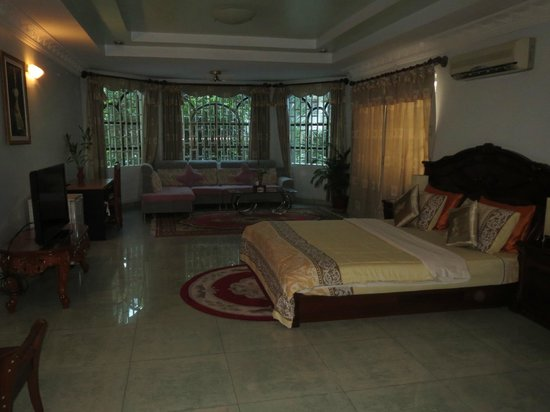 Lotus Luxury Villa: Our room