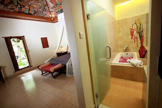 Sukun Bali Cottages : POOLSIDE SUITE ROOM