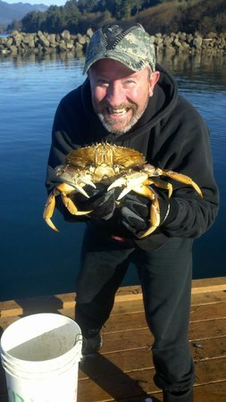 Kelly's Brighton Marina: Teach a man to crab!