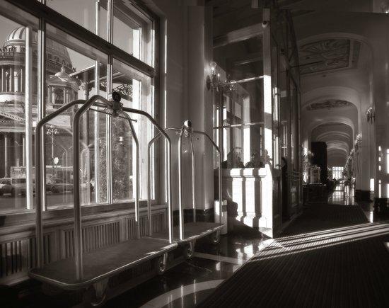 Angleterre Hotel: Lobby