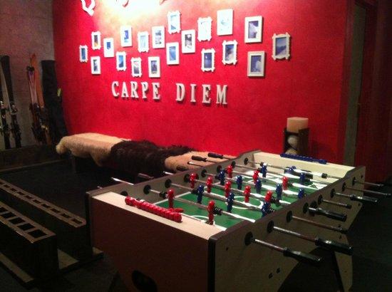 Hotel Victoria: Tischfussball im Skiraum