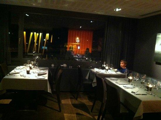 Hotel Victoria: Gedimmtes Licht, warme Ambiance