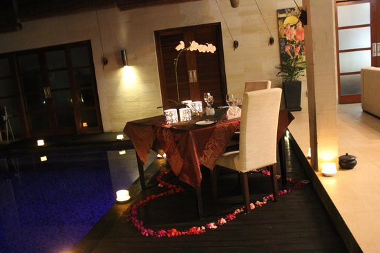 CK Villas Bali: dinner set up