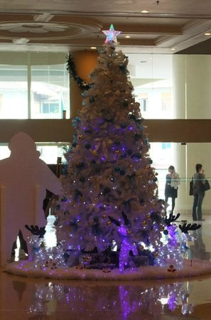 Cititel Penang: Festive decorations in the foyer