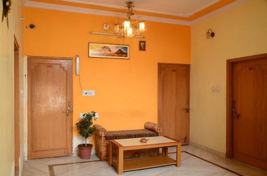 Hotel Krishnam Palace: Lobby