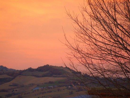 Agriturismo Nonno GiRò: Panorama al tramonto
