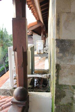 Grand Balisani Suites : balcon depuis la chambre