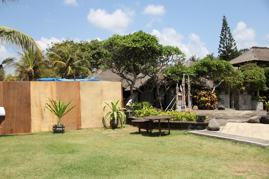 Grand Balisani Suites : coin piscine