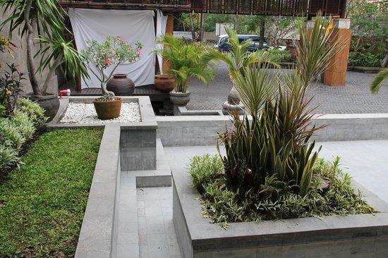 Grand Balisani Suites: entree