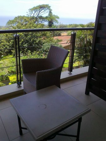 Endless Horizons Boutique Hotel: No privacy on balcony