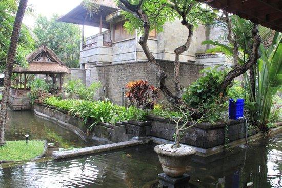 Grand Balisani Suites: depuis la salle d attente