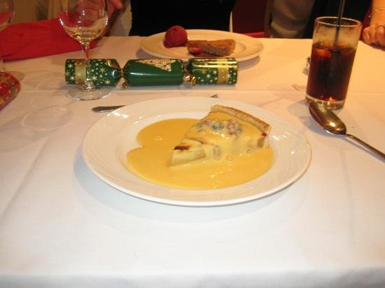 Oscar's Restaurant: Frangipani tart