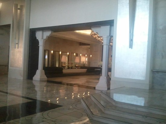 Peshawri: ITC Agra Lobby