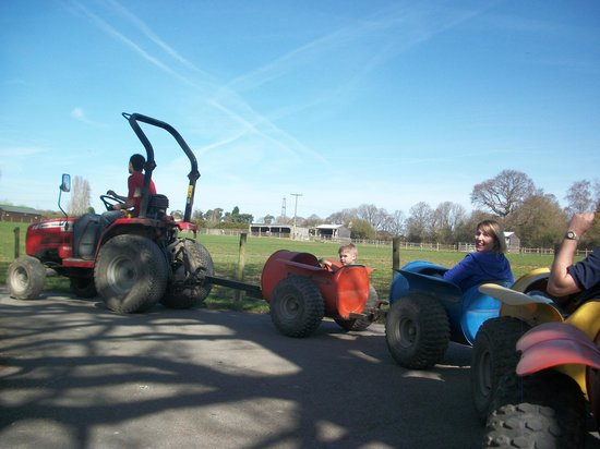 Fishers Farm Park: Tractor ride thro' the park