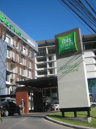 Ibis Styles Chiang Mai: Hotel sign