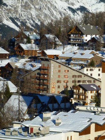 Hotel Le Chastellan : view from the slopes