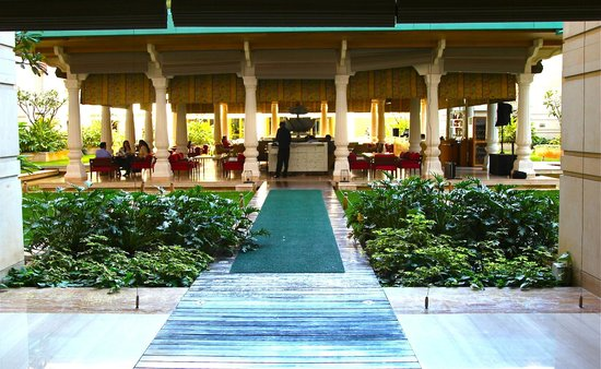 ITC Gardenia, Bengaluru - a Luxury Collection Hotel: View from Lobby