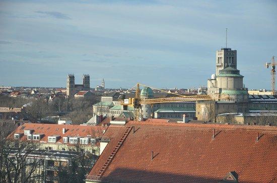 هوليداي إن ميونيخ - سيتي سنتر: View from our room