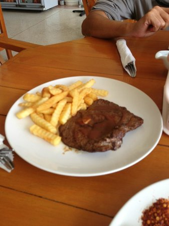 Hua Hin Fishing Lodge: Ostrich steak